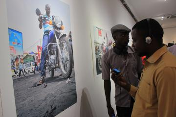 Vernissage de l'exposition audiovisuelle WEWA! TAXIS-MOTOS DE KINSHASA